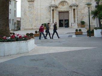 Una imatge de la plaça de l'ajuntament de l'Escala, que està inclosa al projecte.  M.V