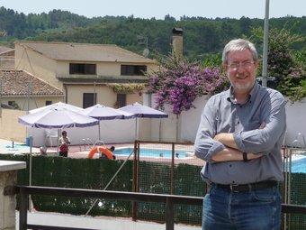 Ramon Creixell fotografiat fa dies davant del Jardí, el pulmó d'activitats del poble A.M