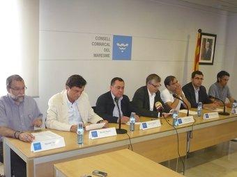 Els signants del manifest unitari ahir al Consell Comarcal del Maresme. LL.M