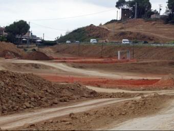 Els afectats per les obres al tram nord de l'N-II volen compensacions perquè Foment ho ha deixat tot a mig fer.  ARXIU
