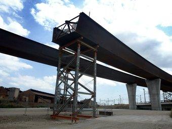 El pont de l'enllaç que quedarà a mig fer, a l'alçada de Castellbisbal JUANMA RAMOS