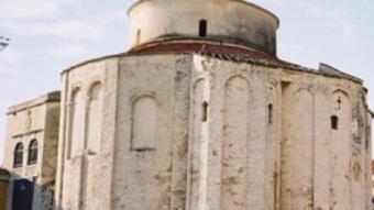 Sant Donat (s.IX?) i torre de Santa Maria (1105-1111), a la ciutat de Zadar (Croàcia) ARXIU