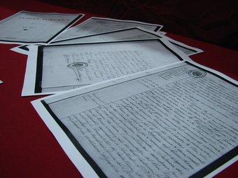 Llibres econòmics i actes municipals d'ajuntaments catalans, confiscats al final de la Guerra Civil. EL PUNT
