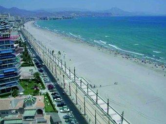La xarxa del tram-tren d'Alacant ha permès integrar en bona part l'antiga línia ferroviària de la costa. EL PUNT