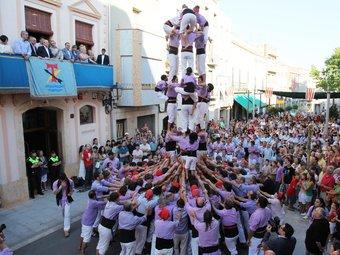 Exhibició castellera a la primera festa major de la Canonja com a municipi independent