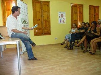 Vicente Cortés és el responsable de la difusió del llibre de tradició oral. ESCORCOLL