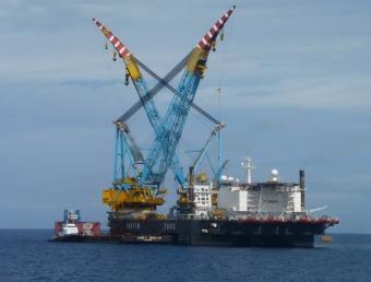 Plataforma utilitzada els últims mesos per construir el magatzem submarí de gas Castor, a la costa de Vinaròs GUSTAU MORENO