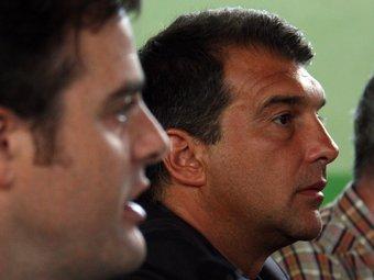 Uriel Bertran, en primer terme, i Joan Laporta, avui a la UCE. ACN / GUILLEM SÁNCHEZ