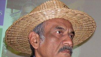 Orlando Pineda continua la batalla contra l'analfabetisme RAMON ESTÉBAN