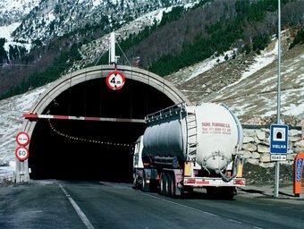 El vell túnel de Viella podrà continuar en obres per refer-lo per a mercaderies perilloses i en cas d'evacuació. ARXIU