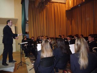 La Banda de Les Alcubles en concert a la Casa de la Cultura del poble. ESCORCOLL