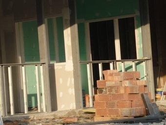 La construcció és un dels sectors que s'ha recuperat aquest mes. EL PUNT