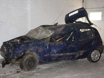 Estat en què va quedar el vehicle a conseqüència de l'accident de Santa Cristina. ACN