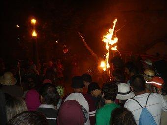 L'encesa de la Txitxarra va ser un dels moments destacats del memorial dels vint-i-cinc anys del Pim Pam Pum Foc. J.C