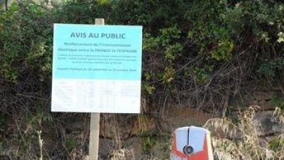 Un dels cartells instal.lat l'entrada del municipi de L'Albera ST