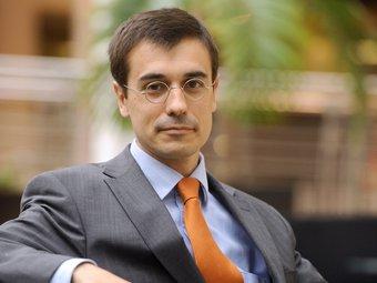 Amadeu Altafaj en el seu despatx a Brussel3les.  L'ECONÒMIC