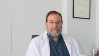 Carballido, a la seva consulta de la clínica Opción Médica a Terrassa E.A