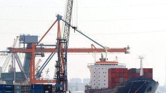El port de Barcelona ha estat històricament un punt bàsic per a l'exportació de mercaderies.  ARXIU
