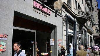 Imatge actual de la façana del supermercat Busquets.  MANEL LLADÓ