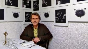 Lluís Lamas al seu restaurant. /  JORDI SOLER