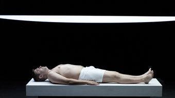 Pere Arquillué interpreta el personatge ideat per Samuel Beckett a 'Primer amor'. JOSEP AZNAR