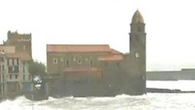 Una imatge de Cotlliure sota el temporal. TV3