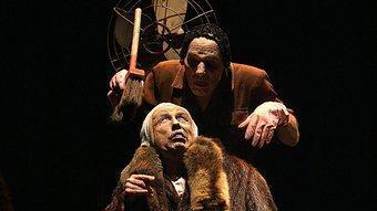 Dos dels peculiars protagonistes de Nadie lo quiere creer, de la companyia La Zaranda.  MANEL LLADÓ