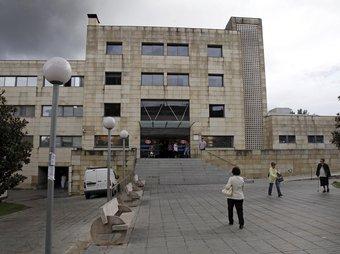 La façana de l'hospital Sant Joan de Déu de Martorell, que es va inundar el passat 10 d'octubre EFE