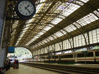 Estació a Portbou MAR VICENTE