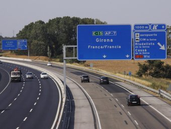 La sortida de Riudellots, fins on el consell del Gironès vol que sigui gratuïta l'AP-7 al pas per Girona. M.RUIZ