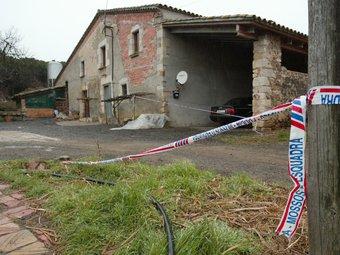 Els Mossos van acordonar la masia després del tiroteig