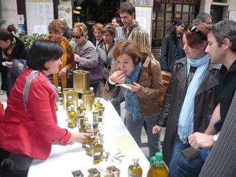 Fira de l'1 de Novembre, de Tots Sants, a Girona. Trobada d'artesans.  ARXIU/ALBERT VILAR