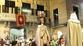 Els gegants de la Fal·lera Gironina a la plaça del Vi, des d'on van començar la cercavila.  D.V.