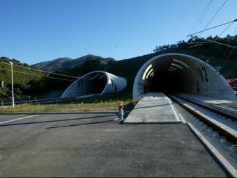El túnel de la MAT es farà al paral·lel del ja fet pel TAV al Pertús. J.SABATER