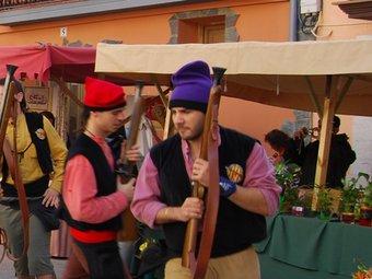 Trabucs en mà, els veïns de Sant Quintí participen en la recreació de la guerra de Successió.  L. MARÍN