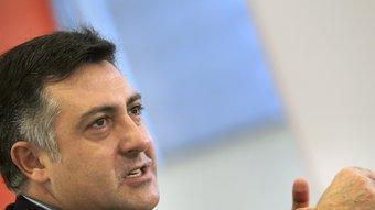 El candidat d'Esquerra, Joan Puigcercós, ahir al matí a la seu de l'agència Efe TONI ALBIR / EFE
