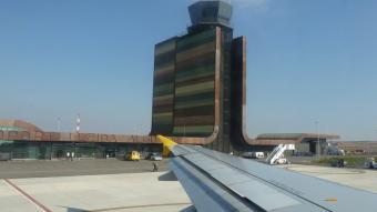 L'aeroport de Lleida-Alguaire s'ha convertit en una de les icones del Segrià i del Pla de Lleida.