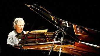 Chick Corea en un moment del seu concert de divendres a Girona JOAN SABATER