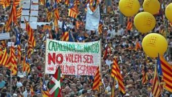 """Manifestació del 10 de juliol a Barcelona, amb el lema """"Som una nació. Nosaltres decidim"""" JUANMA RAMOS / ARXIU"""