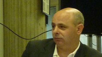 La taula del col·loqui. A l'esquerra, el president del Col·legi de tècnics agrícoles, Josep Maria Poch. R. E