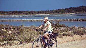 Els 82 km quadrats de Formentera són ideals per recórrer a peu o amb bicicleta.  CONSELLERIA TURISME FORMENTERA