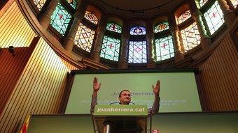 Joan Herrera en l'acte que va fer ahir sobre les dones a l'Aula Magna de la Casa de la Convalescència, a Barcelona MARTA PÉREZ