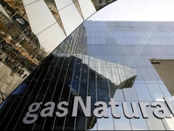 Una imatge del rètol que Gas Natural té a la seu de Barcelona. AGÈNCIES