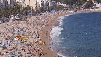 El sol i platja un dels principals atractius de les comarques gironines. MIQUEL RUIZ
