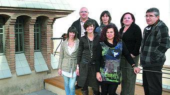 L'equip del Sortim AL COSTAT D'UNA ENTRADA DE LLUM CARACTERÍSTICA DE LA FARINERA M.LLADÓ