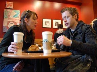 La cadena de cafeteries Starbucks investiga permanentment com sintonitzar amb els gustos dels seus clients.  MARC LLACH