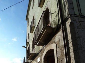 Can Puntón, els baixos de la qual acolliran l'oficina de turisme i l'audiovisual. I.R