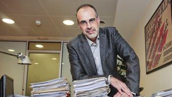 El secretari general d'ERC al seu despatx Robert Ramos