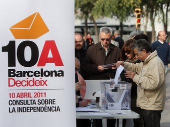 Consulta sobiranista a la Barceloneta prèvia a la del 10 d'abril. ACN