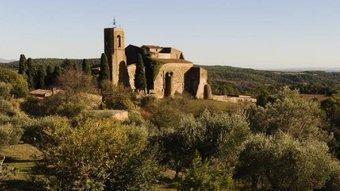El castell i l'església de Sant Martí, a Vilarig, són testimonis vius del romànic empordanès.  CONSORCI SALINES BASSEGODA